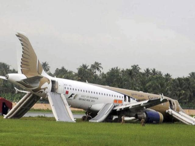 A-Gulf-Air-passenger-planes-lies-on-the-ground-after-it-skidded-off-the-runway-at-Kochi-International-Airport-in-Kochi