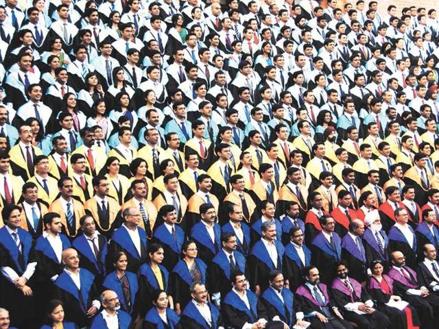 Ready-to-go-Students-at-a-convocation-at-IIM-Ahmedabad