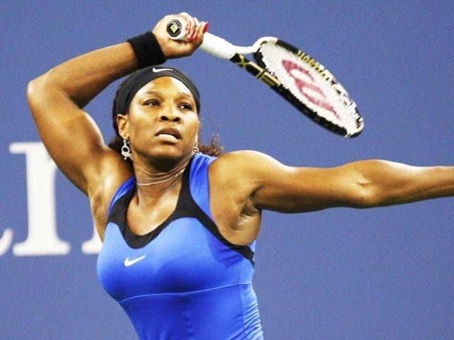 Serena-Williams-of-the-US-returns-volley-to-Bojana-Jovanovski-of-Serbia-during-their-match-at-the-US-Open-tennis-tournament-in-New-York