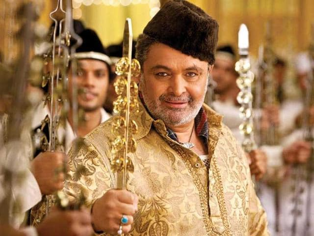 This-is-Rishi-Kapoor-s-first-out-and-out-negative-character-in-Agneepath-In-the-film-Rishi-will-be-seen-in-a-different-avatar-wearing-kurta-pajama-a-karakul-cap-and-kajal-in-his-eyes