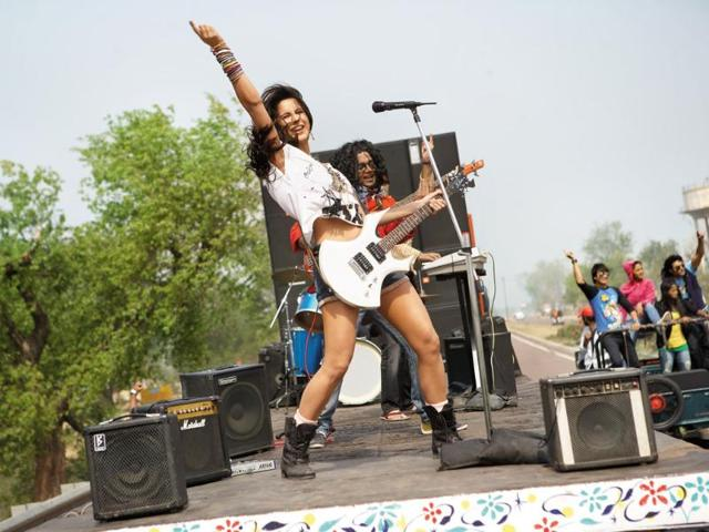 Dhunki-is-her-most-popular-performance-since-Sheila-Ki-Jawaani