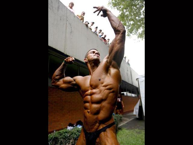 protein supplements,milk,body building