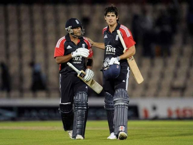 England-s-captain-Alastair-Cook-R-and-Samit-Patel-leave-the-field-after-England-defeated-India-in-the-second-one-day-international-cricket-match-at-the-Rose-Bowl-cricket-ground-in-Southampton-England