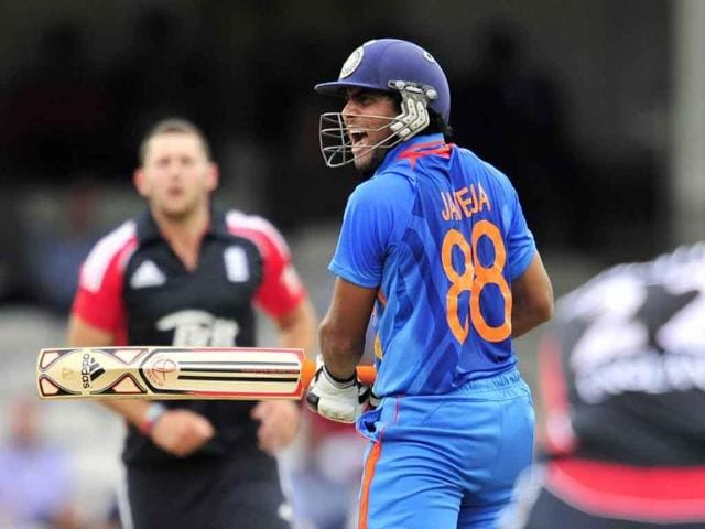Ravindra-Jadeja-reacts-after-missing-the-ball-during-the-third-one-day-cricket-match-between-England-and-India-at-The-Oval-London