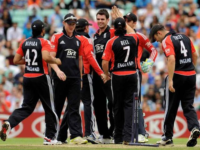 James-Anderson-4th-L-is-congratulated-after-dismissing-Parthiv-Patel-during-the-third-one-day-international-cricket-match-at-the-Oval-cricket-ground-in-London