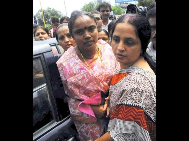 Police-detain-Jagruti-Pandya-wife-of--former-minister-Haren-Pandya-on-her-way-to-meet-Gujarat-chief-minister-Narendra-Modi-for-demand-for-re-investigation-of-murder-of-her-husband-in-Ahmedabad