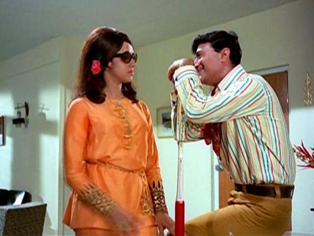 Dev Anand had a beautiful chemistry with Hema Malini.