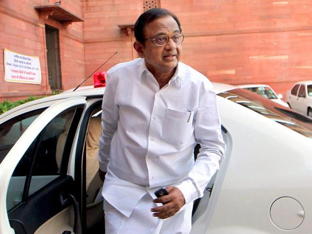 Union-home-minister-P-Chidambaram-arrives-at-his-office-after-meeting-Congress-President-Sonia-Gandhi-in-New-Delhi