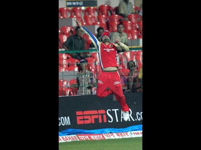 Royal-Challengers-Bangalore-Virat-Kohli-trying-to-catch-the-ball-during-the-Champions-League-T20-2011-match-in-Bangalore