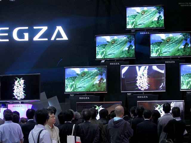 Visitors-look-at-Toshiba-Corp-s-REGZA-television-series-at-CEATEC-JAPAN-2011-electronics-show-in-Chiba