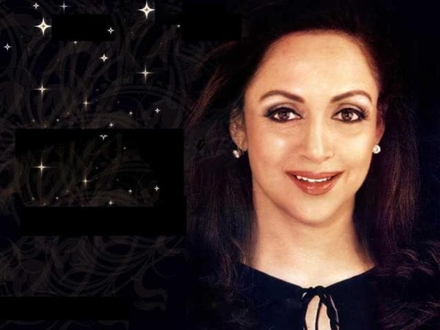 Even-after-marriage-Hema-Malini--continued-to-work-in-films-like-Kranti-Naseeb-Satte-Pe-Satta-and-Vijay-Anand-s-Rajput