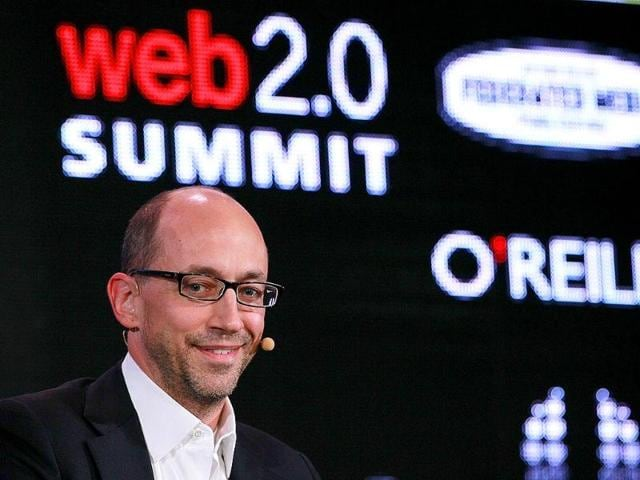 Twitter-CEO-Dick-Costolo-speaks-during-the-2011-Web-2-0-Summit-in-San-Francisco-California-Photo-AFP