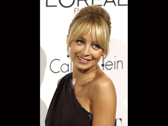 Nicole-Richie-poses-for-the-cameras-AP