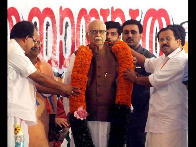 Senior-BJP-leader-L-K-Advani-addressing-a-press-conference-during-his-Rathyatra-in-Madurai-on-Friday