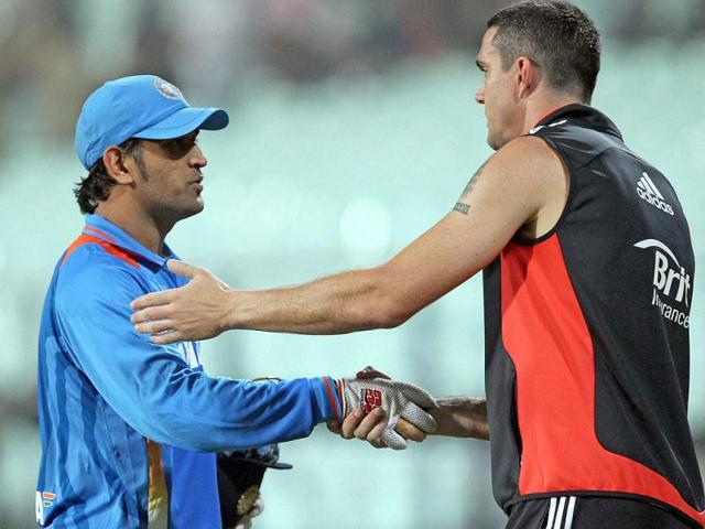 MS-Dhoni-congratulates-England-s-Kevin-Pieterson-after-England-won-the-T20-Match-at-Eden-Garden-in-Kolkata-PTI