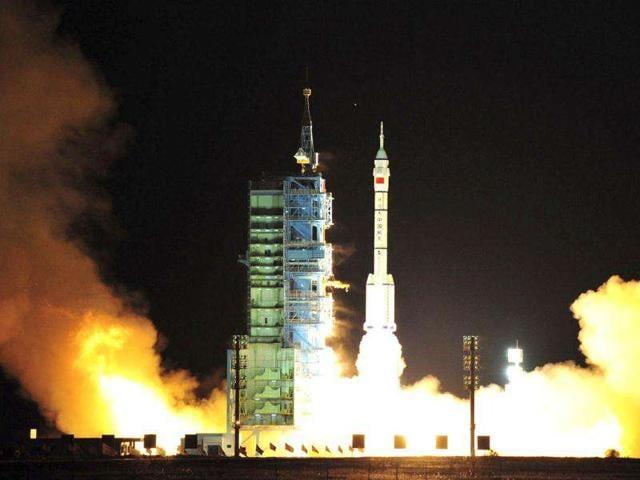 researchers,human waste,astronauts