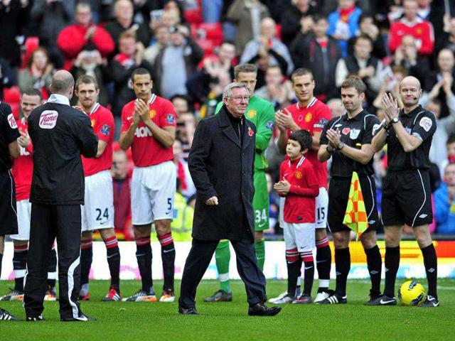 Fergie blasts Man U players for blowing FA Cup chances