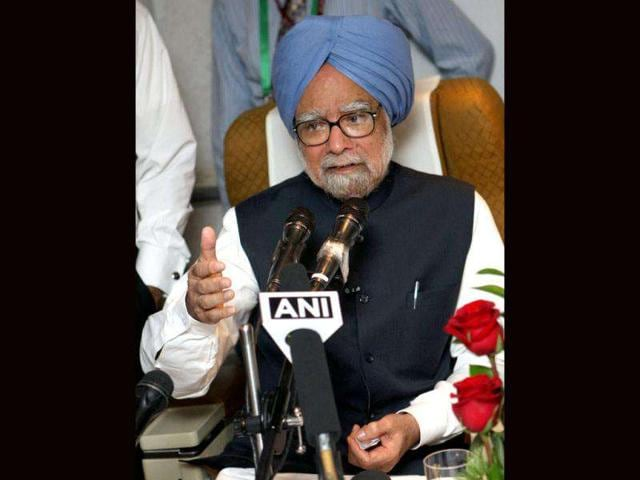 Prime-Minister-Manmohan-Singh-and-Congress-President-Sonia-Gandhi-during-the-party-s-national-level-convention-of-Elected-Office-Bearers-in-New-Delhi