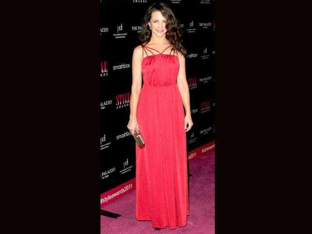 Actor-Kristin-Davis-showed-red-on-the-red-carpet-doesn-t-need-to-be-a-faux-pas-at-the-2011-Hollywood-Style-Awards
