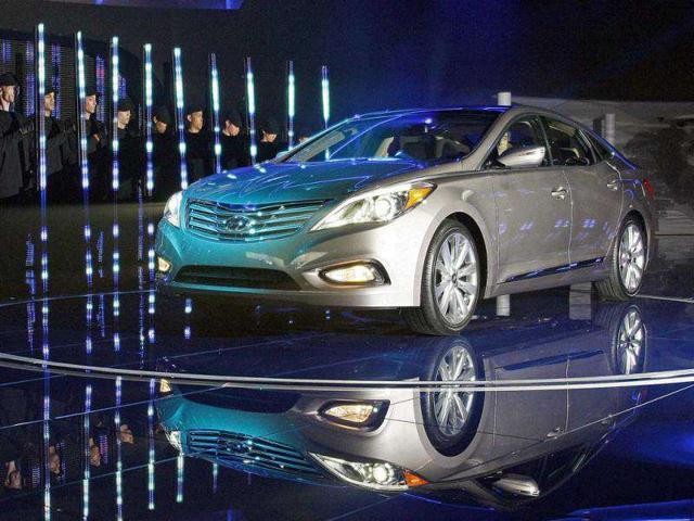 The Hyundai Azera makes its debut at Los Angeles Auto Show.