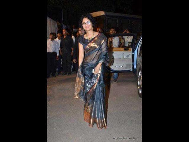 Kiran-Rao-clad-in-a-silk-sari-strikes-a-pose