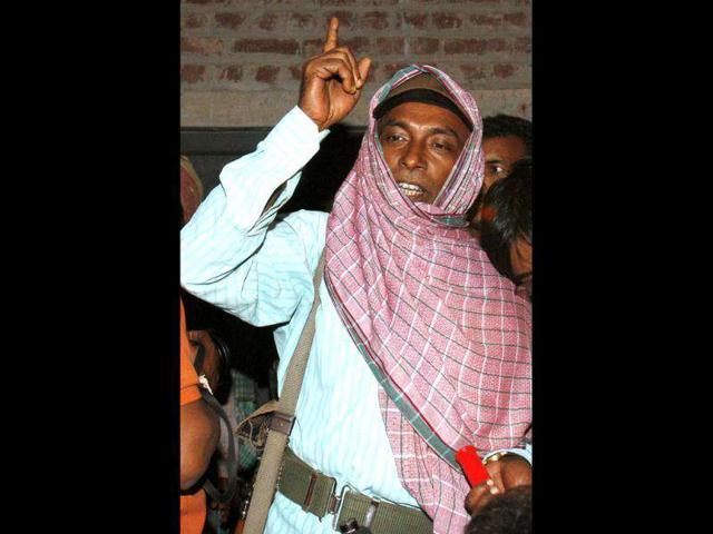 File-photo-of-Maoist-leader-Kishenji-addressing-the-media-during-the-release-of-OC-Sankarail-Atindranath-Dutta-at-Bhulagera-in-Lalgarh-HT-Subhendu-Ghosh