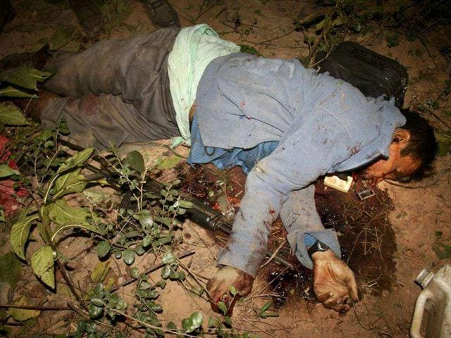 The-body-of-Maoist-leader-Kishenji-is-seen-after-he-was-killed-in-an-encounter-with-joint-action-force-inside-Burishol-forest-in-West-Midnapore-about-200-kilometers-west-of-Kolkata-AP-Photo