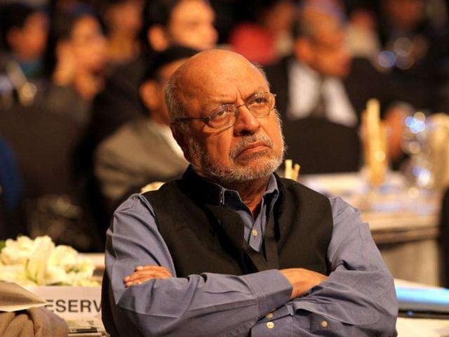 Shyam-Benegal-stands-proudly-on-the-set-of-his-new-ten-part-mini-series-The-Story-of-the-Making-of-the-Constitution-of-India-Samvidhaan