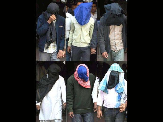 Six-suspected-Indian-Mujahideen-operatives-allegedly-involved-in-various-blasts-across-India-being-produced-in-a-court-in-New-Delhi