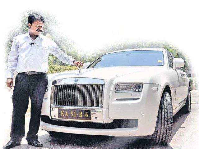 Barber owns a Rolls Royce, 67 other cars | india | Hindustan Times