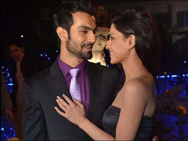 Veena has allegedly dumped Ashmit Patel for her new show Veena Ka Swayamvar.