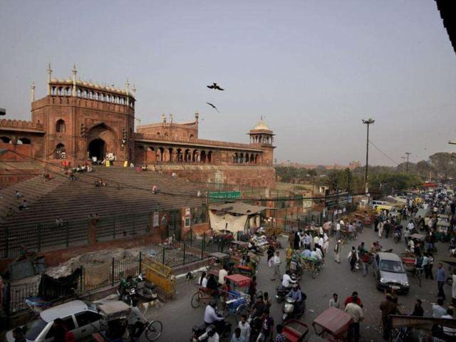 A-bird-s-eye-view-of-congested-old-Delhi-is-seen-from-one-of-the-minaret-of-Jama-Masjid-Mosque-in-New-Delhi-AP-Photo-Manish-Swarup
