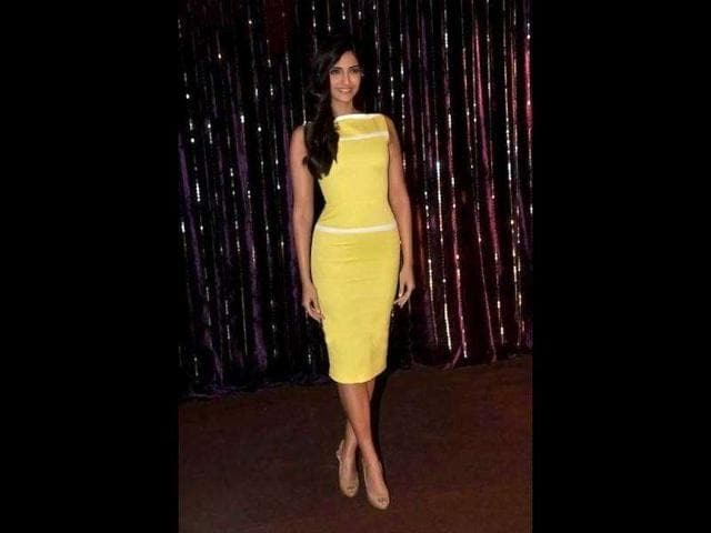 The-actor-looked-chic-in-what-s-rumoured-to-be-a-Victoria-Beckham-dress-and-nude-heels
