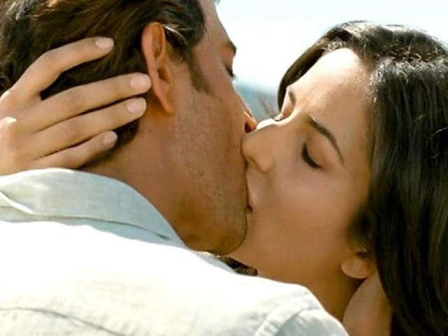 Katrina kaif kissing videos