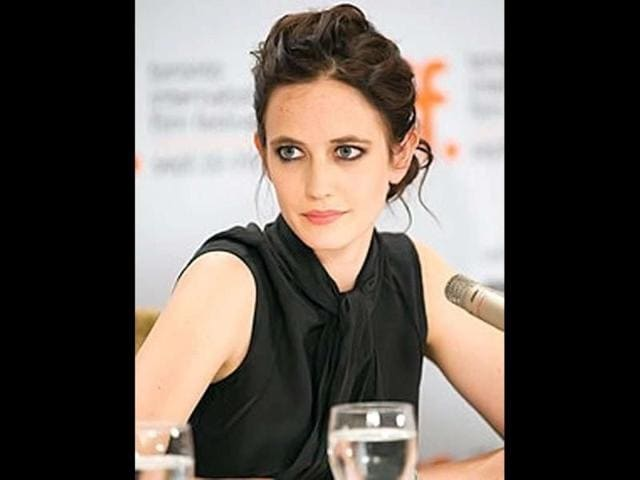 Eva Green to star in 300 sequel