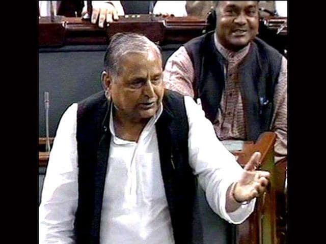 TV-grab-shows-Samajwadi-Party-president-Mulayam-Singh-Yadav-speaking-on-the-Lokpal-Bill-in-the-Lok-Sabha-in-New-Delhi