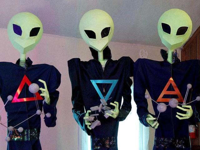 Now, who are the aliens?