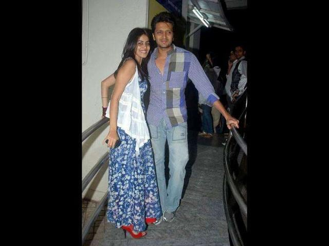 Spouses-to-be-Genelia-D-souza-and-Riteish-Deshmukh-were-also-present-at-the-screening