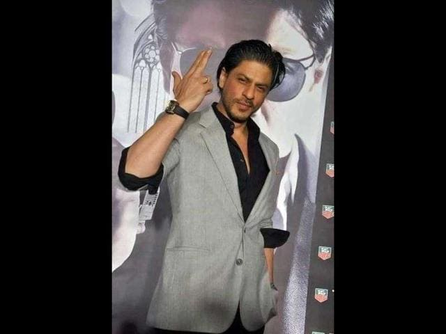 Be-it-his-film-s-promotions-or-their-release-dates-the-Bollywood-Badshah-Shah-Rukh-Khan-has-certainly-perfected-the-art-of-timing-Here-s-a-look-at-the-actor-launching-Tag-Heur-watches