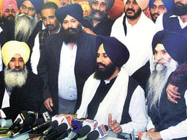 Expelled-Youth-Akali-Dal-leader-Simarjit-Singh-Bains-addressing-mediapersons-at-his-residence-in-Ludhiana-on-Friday--HT-photo