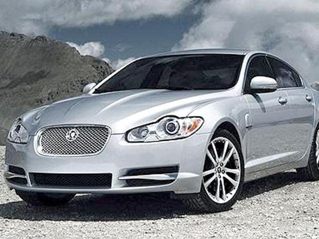 Jaguar XF,bi-Xenon headlights,wheelbase