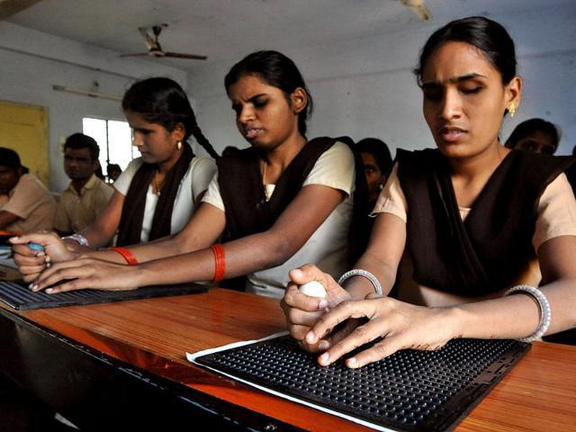 cracking the boards,Deepti Khera,Venkatesh Prabhu
