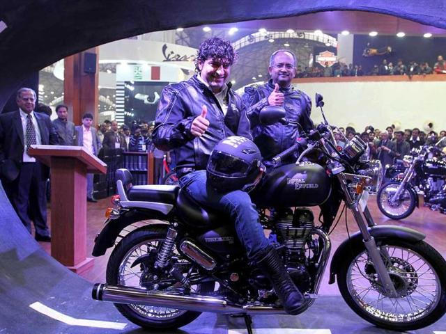 Sidharth Lal MD of Royal Enfield with Venkatesh Padmanabhan CEO, launched Thunderbird 500 royal enfield Motorcycle at Auto Expo 2012 at Pragati Maidan in New Delhi. HT Photo/Arvind Yadav