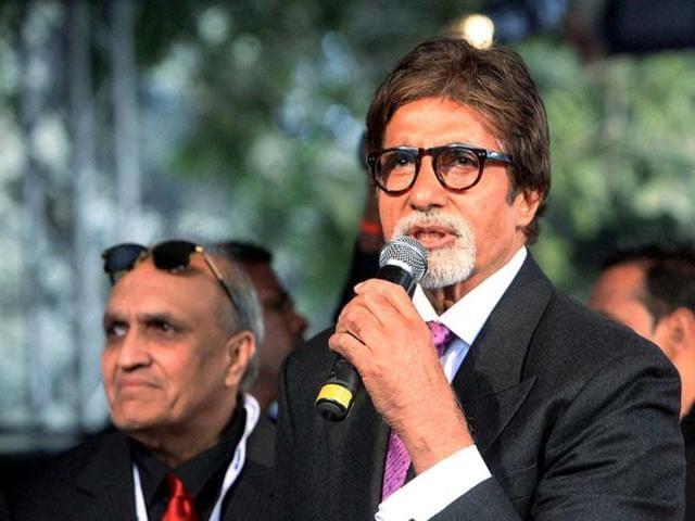 Actor-Amitabh-Bachchan-addressing-the-media-as-car-designer-Dilip-Chhabria-looks-on-during-the-Supercar-DC-Avanti-launch-at-the-11th-Auto-Expo-2012-at-Pragati-Maidan-in-New-Delhi-PTI-Photo-Shahbaz-Khan