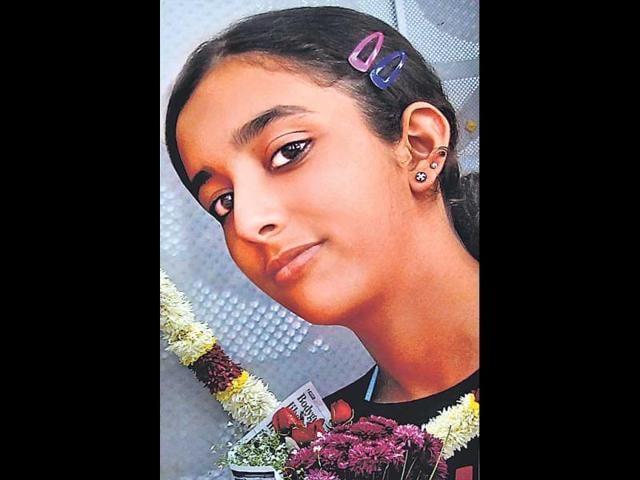 15-year-old found murdered Noida, police suspect servant involved