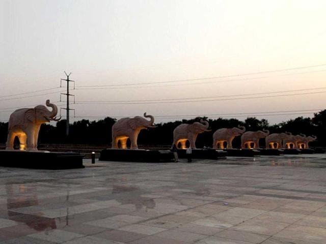 Uttar Pradesh lokayukta,NK Mehrotra,multi-crore land scam