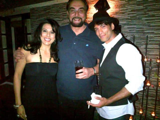 Pooja-Bedi-with-Sky-and-her-father-Kabir-Bedi
