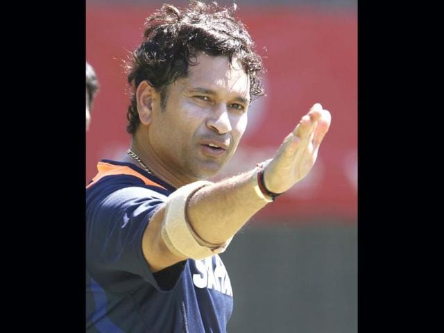 Sachin-Tendulkar-gestures-during-a-training-session-at-the-WACA-in-Perth-Australia-Australia-will-play-India-in-the-third-test-AP-Photo