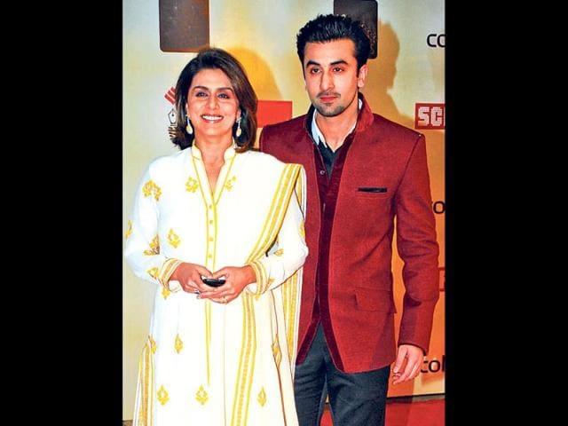 Mamma-s-boy-Ranbir-Kapoor-R-poses-with-mother-Neetu-Singh-HT-Photo-Prodip-Guha