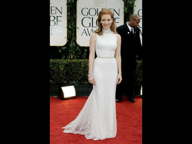Jessica-Chastain-chose-figure-hugging-Givenchy-AP